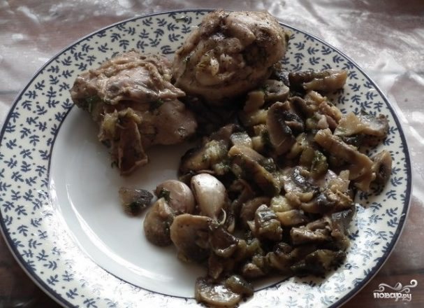 Курица с баклажанами и грибами