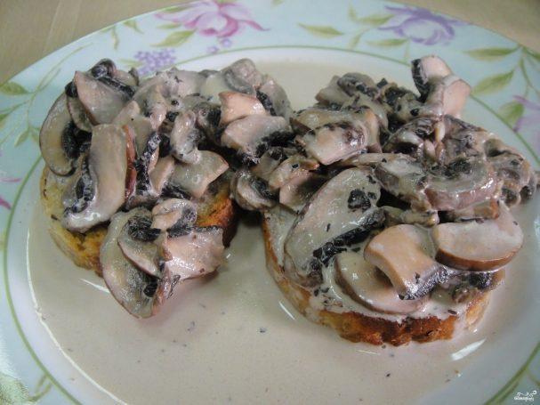Тосты с грибами