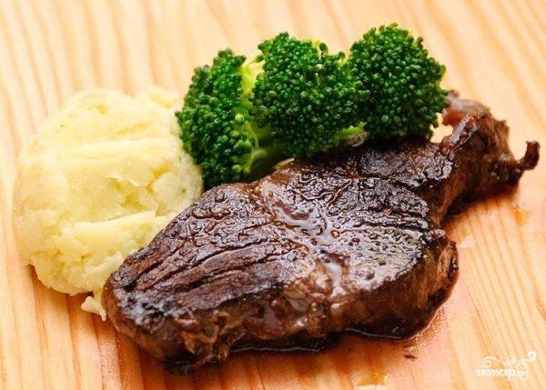 Мясо на углях