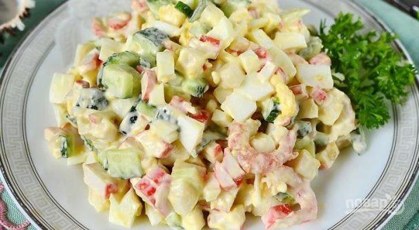 Салат из кальмаров с крабовыми палочками