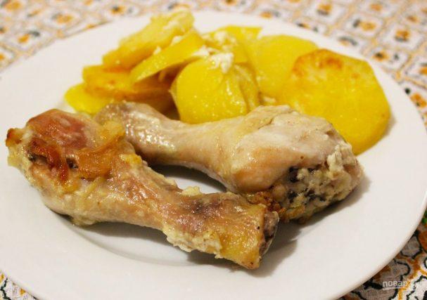 Курица с картошкой, чесноком и майонезом