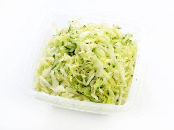 Салат весенний с капустой и огурцом