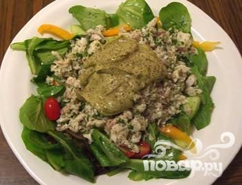 Салат, рыба и авокадо