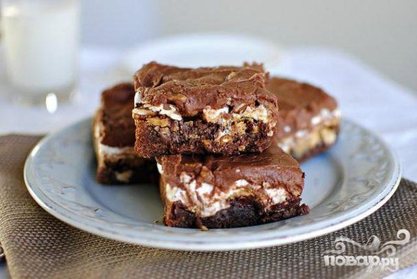 Шоколадные пирожные с орехами и суфле