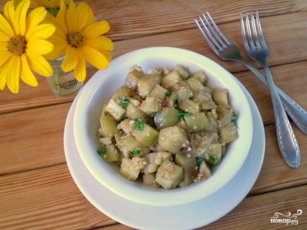 Жареные баклажаны с чесноком и зеленью