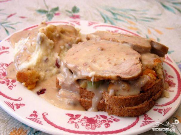 Горячий бутерброд со свининой