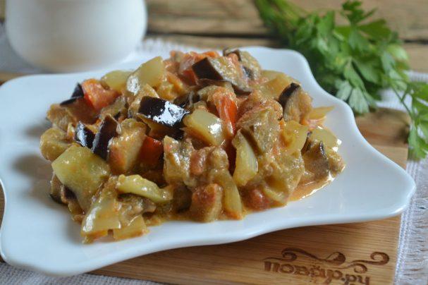 Овощи под сметанным соусом