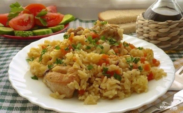Плов с курицей и овощами