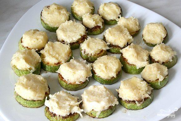 Кабачки с сыром и чесноком
