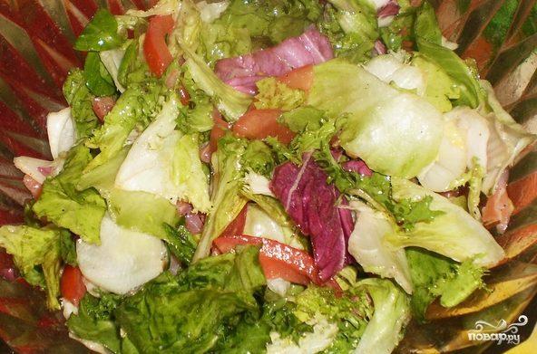 Простой салат с семгой слабосоленой