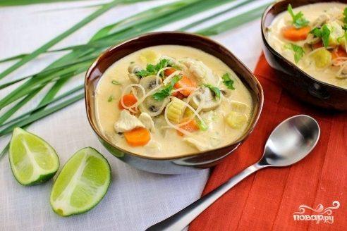 Тайский куриный суп