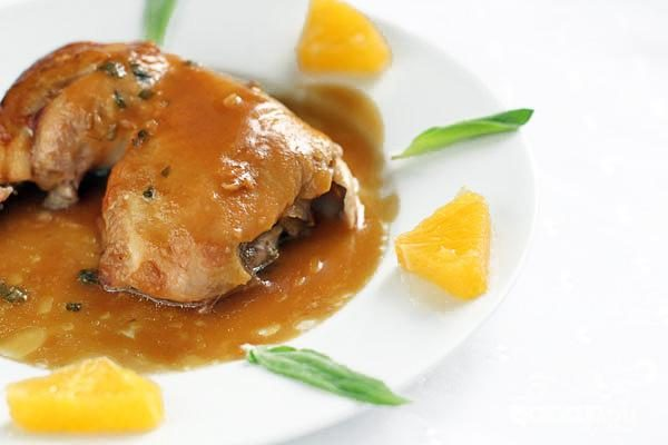 Курица с шалфеем в апельсиновом соусе