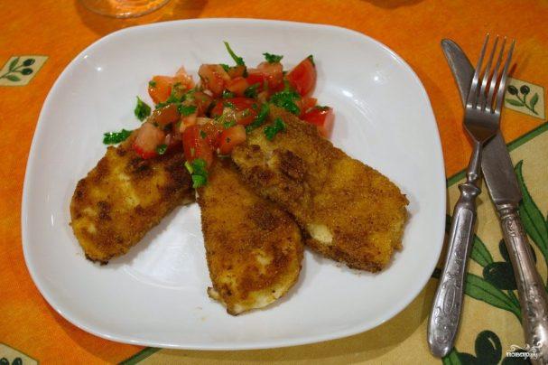 Жареный сулугуни с помидорами