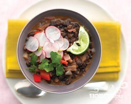 Жаркое из риса и черной фасоли