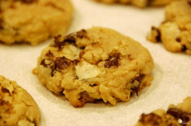 Печенье с картофельными чипсами и шоколадом