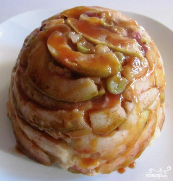 Карамельный яблочный пудинг