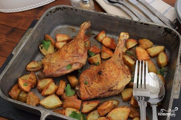 Утка кусочками с картошкой в духовке