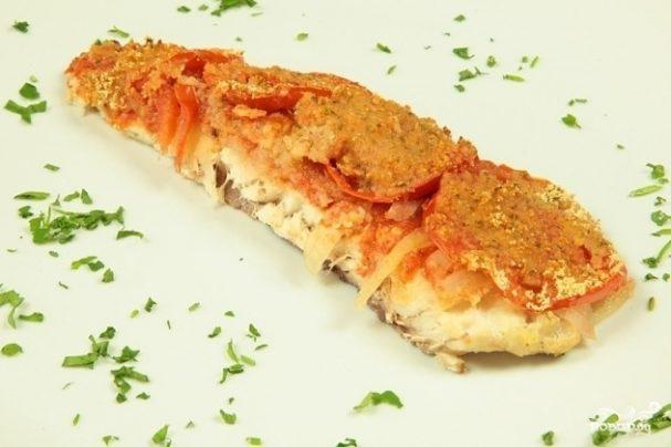 Запеченная рыба в томатном соусе
