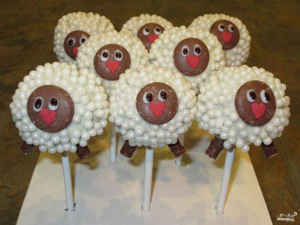 Десерт в виде овцы