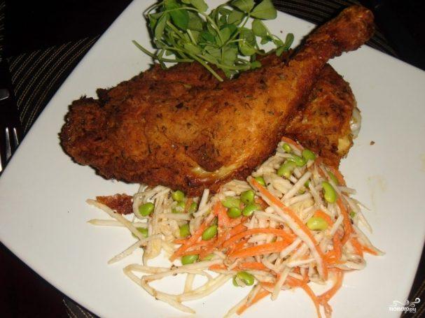 Курица жареная с луком-шалот и морковью