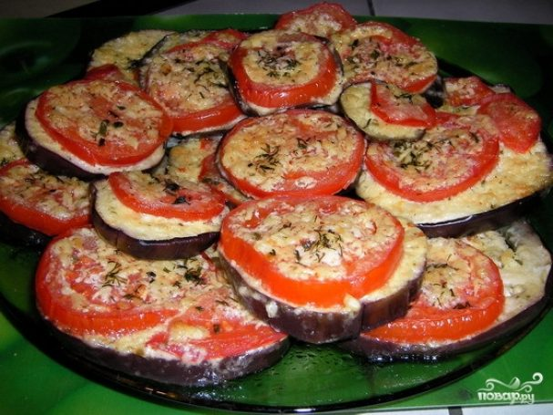 Баклажаны с помидорами в духовке