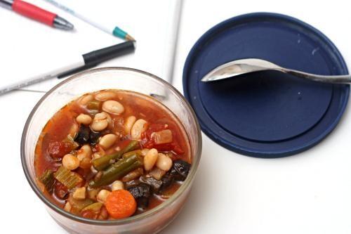 Суп из фасоли и жареных овощей