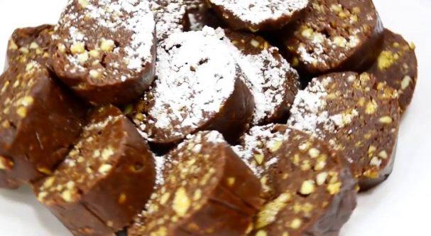 Сладкие колбаски из печенья