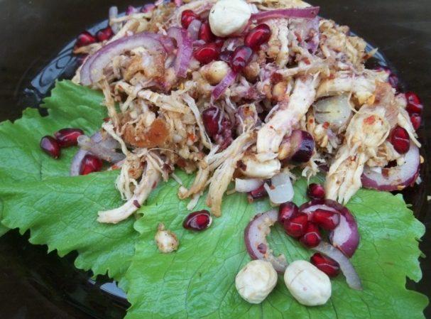 Куриный салат с гранатом