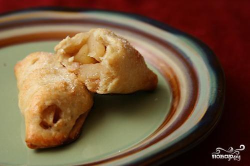Яблочные пирожки с бренди