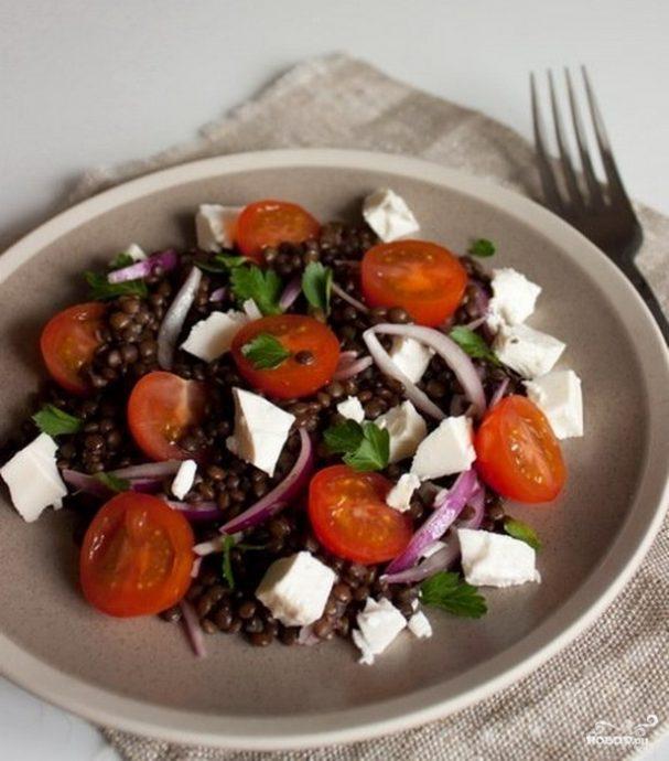 Салат с чечевицей и фетой