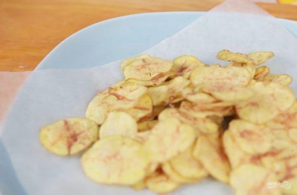 Картофельные чипсы в микроволновке без масла