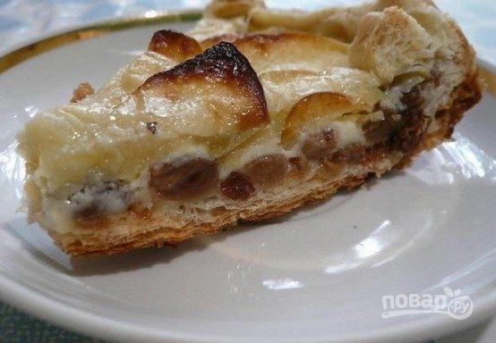 Торт на сковороде с яблоками и изюмом