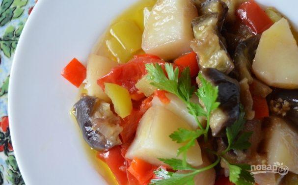 Овощное рагу с баклажанами и картофелем