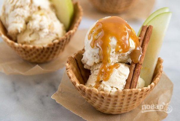 Яблочное мороженое с корицей