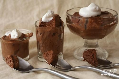 Мусс из горького шоколада с коньяком