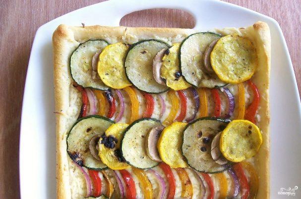 Пицца с овощами и сыром