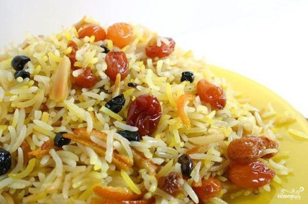 Вегетарианский плов с сухофруктами