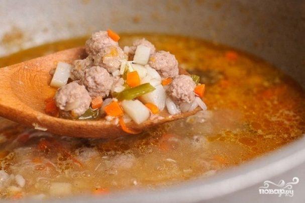 Суп с фрикадельками и помидорами