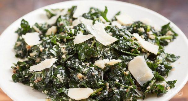 Салат с пармезаном