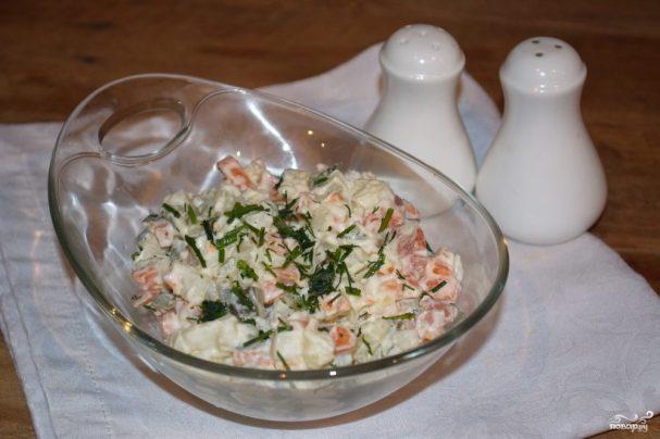 Салат из соленых огурцов и картошки