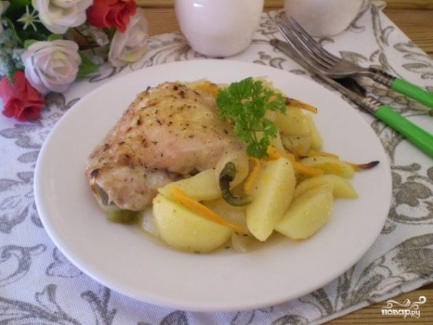 Бедро куриное с картошкой в духовке