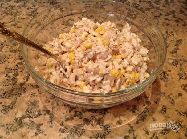 Салат из курицы и грибов