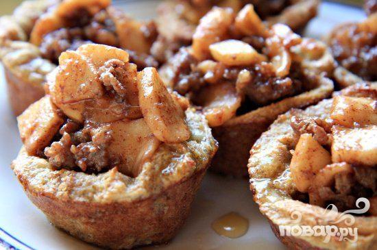 Французские тосты с яблоками и колбасой