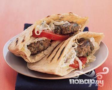Бургеры с бараниной по-гречески