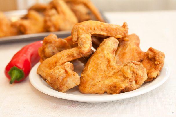 Куриные крылья в сухарях