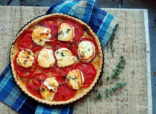 Тарт с помидорами и сыром