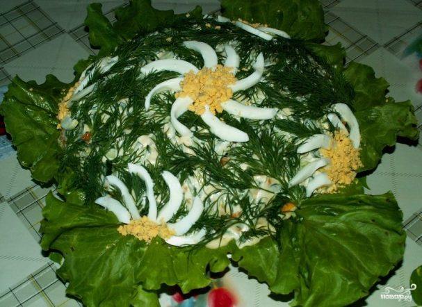 Рыбный салат из консервов с рисом