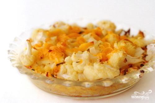 Пирог с картофельной корочкой, цветной капустой и сыром