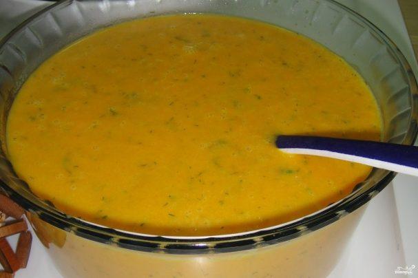 Морковный крем-суп с зеленью