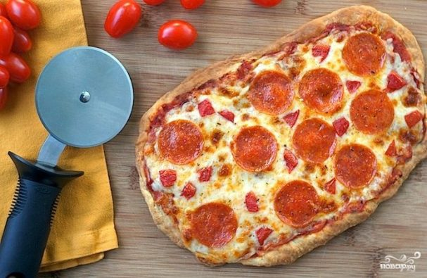 Пицца в домашних условиях из слоеного теста